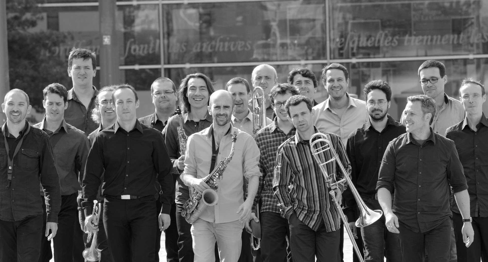 OEUF-BIG-BAND-MUSICIENS-HOME-1-2